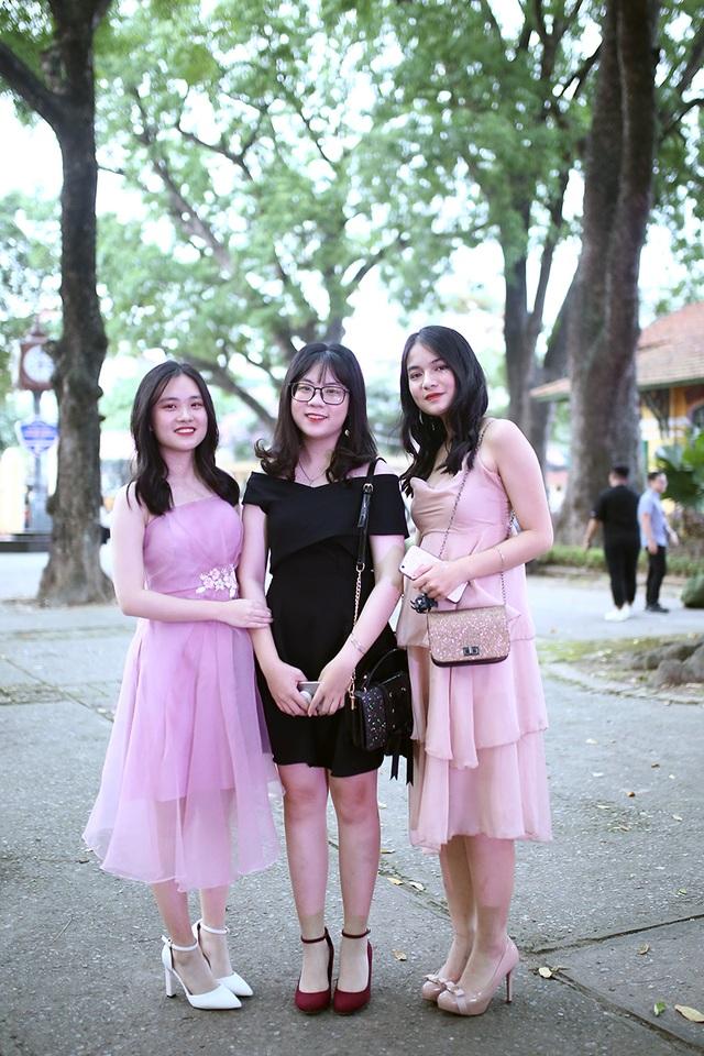 Lễ tri ân xúc động của thầy trò trường Chu Văn An - 2