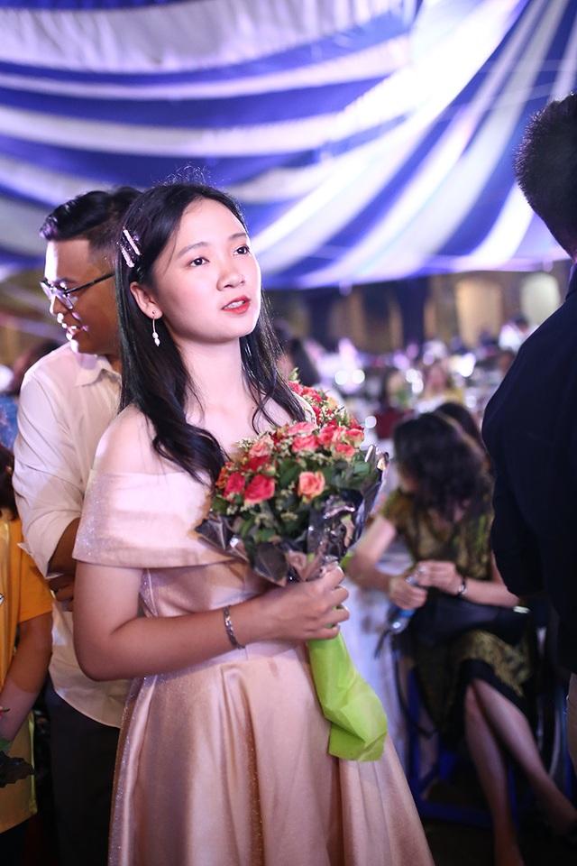 Lễ tri ân xúc động của thầy trò trường Chu Văn An - 4