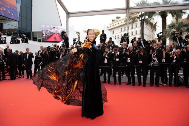 Không nghiện khoe thân, Trương Thị May kín đáo trên thảm đỏ Cannes cùng Leonardo Dicaprio - 9