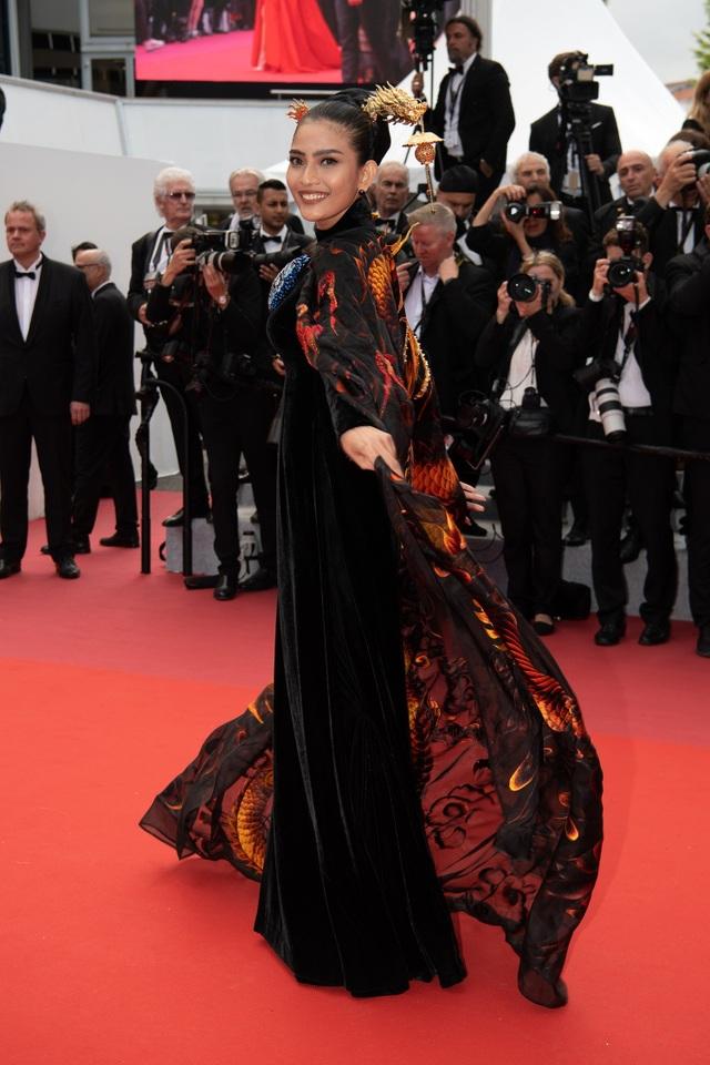Không nghiện khoe thân, Trương Thị May kín đáo trên thảm đỏ Cannes cùng Leonardo Dicaprio - 3