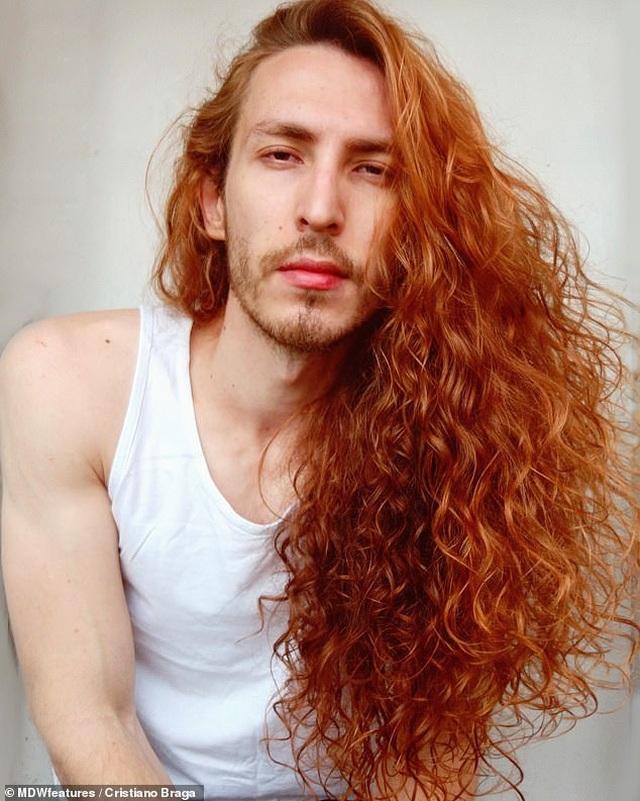 Kinh ngạc nam diễn viên có mái tóc đẹp khiến nữ giới cũng phải ghen tị - 1