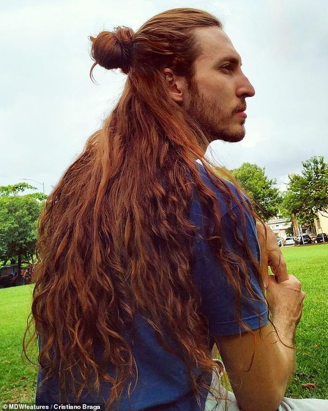 Kinh ngạc nam diễn viên có mái tóc đẹp khiến nữ giới cũng phải ghen tị - 2