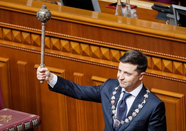 Tân Tổng thống Ukraine muốn loại bỏ toàn bộ vũ khí Liên Xô khỏi quân đội - 1