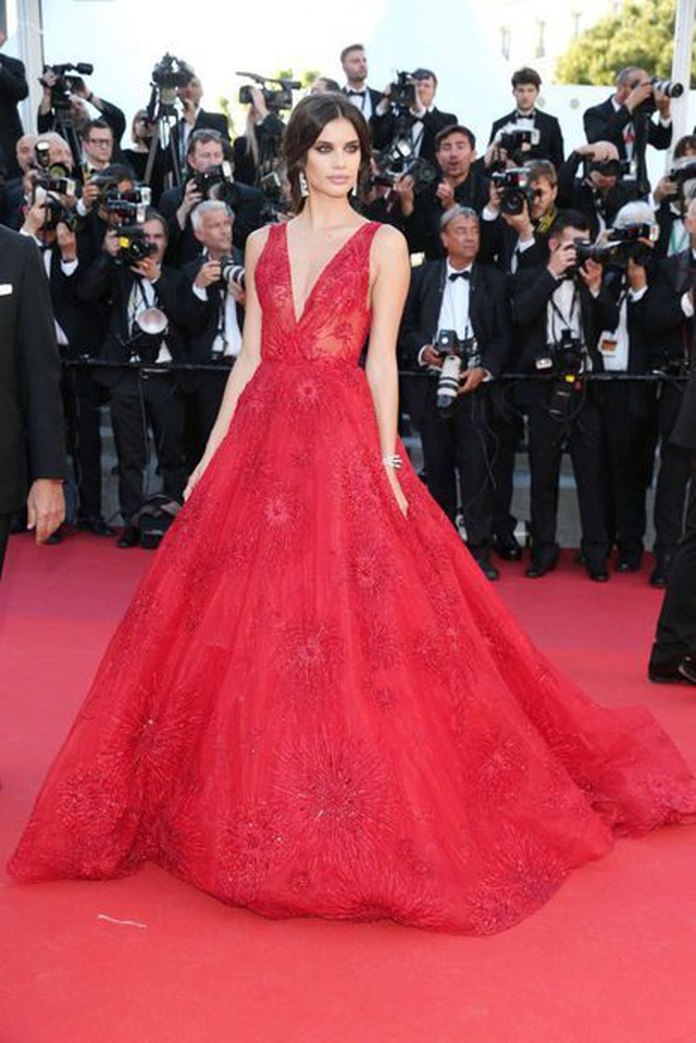 Khi người đẹp chuộng váy đỏ tại Cannes - 15