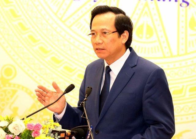 """Bộ trưởng Đào Ngọc Dung: Để bé gái 13 tuổi đóng cảnh """"người lớn"""" là sai cả tình và lý - 1"""