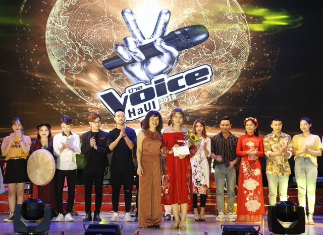 """Nữ sinh Công nghệ thông tin đăng quang """"Giọng hát hay sinh viên HaUI 2019""""  - 9"""
