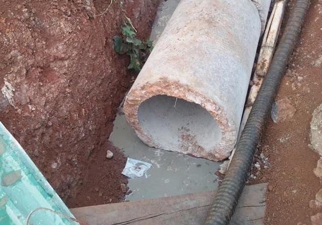 Hàng loạt giếng nước cạnh khu công nghiệp chuyển màu đen, bốc mùi hôi thối - 5