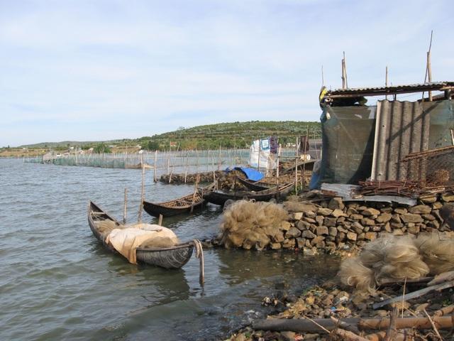 Ra quân giải tỏa nuôi thủy sản trái phép trên danh thắng Quốc gia đầm Ô Loan! - 6