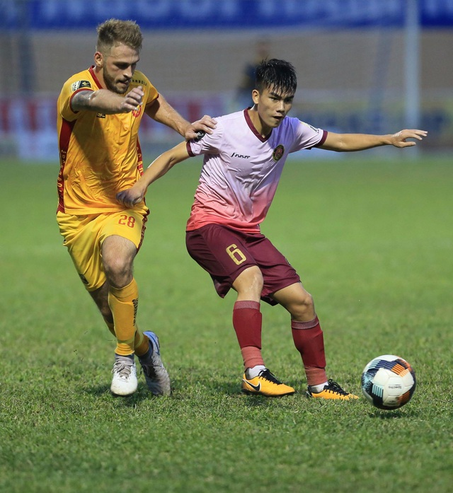 Thắng Sài Gòn FC phút cuối, CLB Thanh Hoá bất bại 6 trận liên tiếp - 2