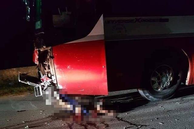2 học sinh tử nạn khi mượn xe máy của bố mẹ chở nhau đi chơi - 2