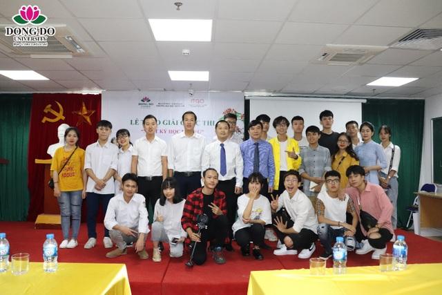 """Cuộc thi """"Nhật ký học đường"""": Trường Đại học Đông Đô trao quà tặng 100 triệu đồng và 70 suất học bổng - 1"""