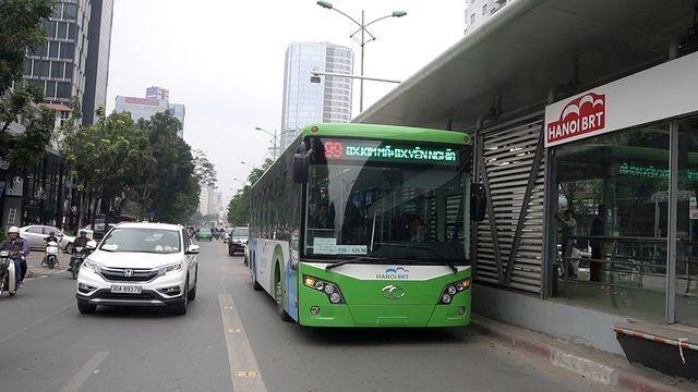 Hà Nội đưa cả 35 chiếc xe buýt nhanh vào vận hành - 1