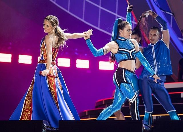 Spice Girls trẻ trung ngày tái hợp - 3