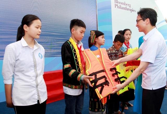Phó Thủ tướng: Còn không ít trẻ bị bạo hành, bị bóc lột sức lao động và tình dục - 9
