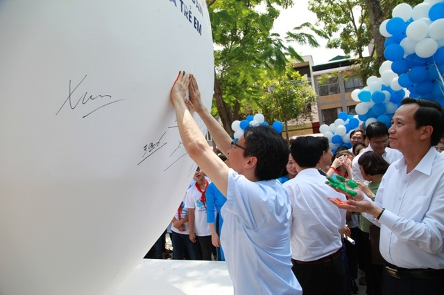 Phó Thủ tướng: Còn không ít trẻ bị bạo hành, bị bóc lột sức lao động và tình dục - 2