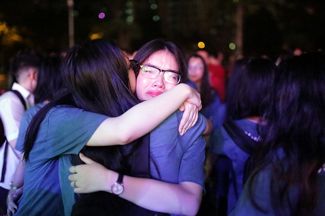 Giọt nước mắt trong mưa của teen Ams trong đêm hội chia tay - 9