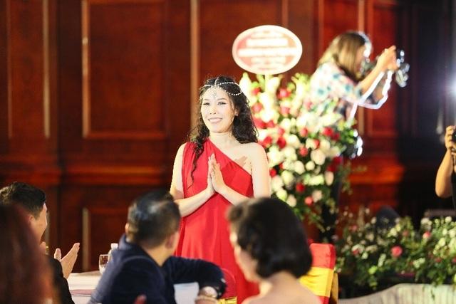Người thầm lặng đứng đằng sau Nữ hoàng Thương hiệu Việt Nam - 1