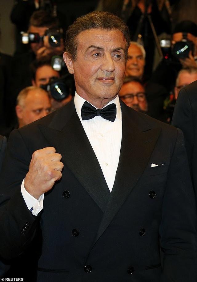 Rambo dự công chiếu phim cùng vợ đẹp, con xinh - 7
