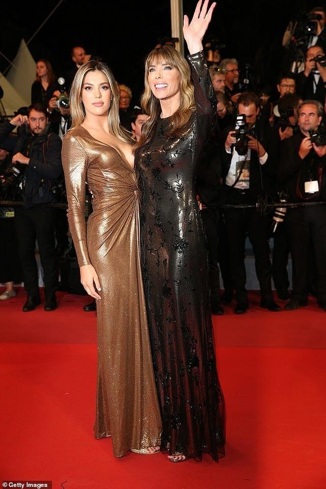 Rambo dự công chiếu phim cùng vợ đẹp, con xinh - 4