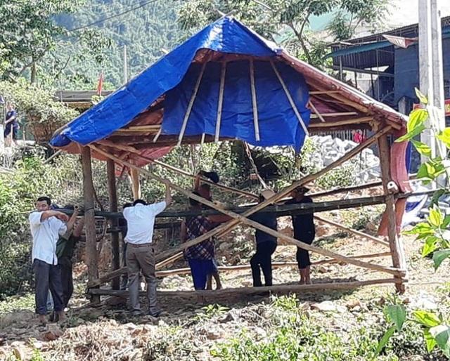 Dânsống trong lều tạm bợchờtái định cư - 2