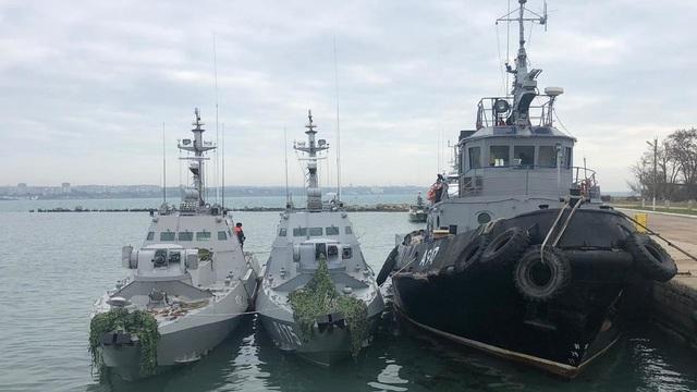 """Tòa quốc tế yêu cầu thả thủy thủ và tàu Ukraine, Nga """"phản pháo"""" - 2"""
