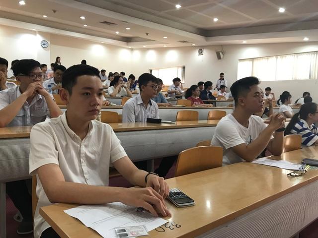 Gần 4.000 thí sinh thi kiểm tra năng lực vào trường ĐH Quốc tế - 2
