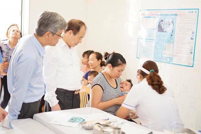Sử dụng đồng thời hai loại vắc xin 5 trong 1 trong tiêm chủng mở rộng - 1