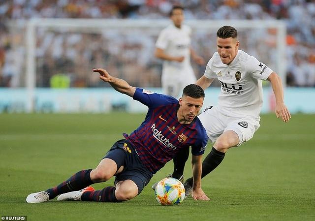 Messi bất lực trong ngày Barcelona gục ngã trước Valencia - 17