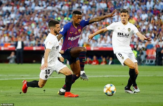 Messi bất lực trong ngày Barcelona gục ngã trước Valencia - 19