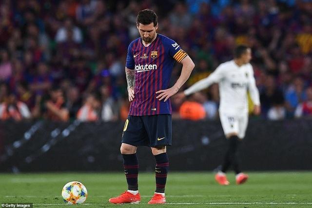 Messi bất lực trong ngày Barcelona gục ngã trước Valencia - 13