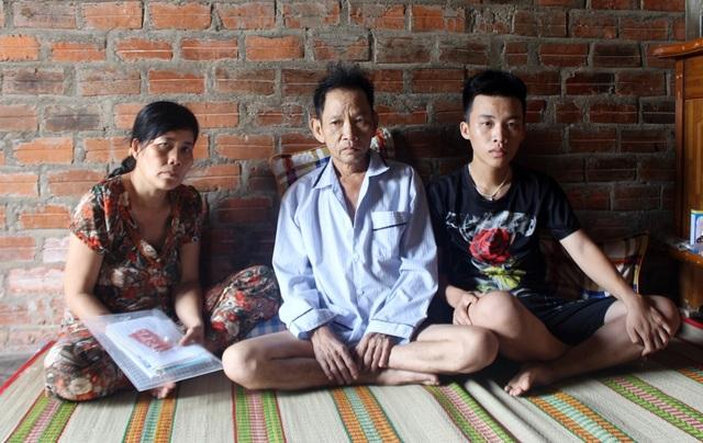 Bố mẹ ung thư, nam sinh bỏ học giữa chừng đỡ gánh nặng gia đình - 1