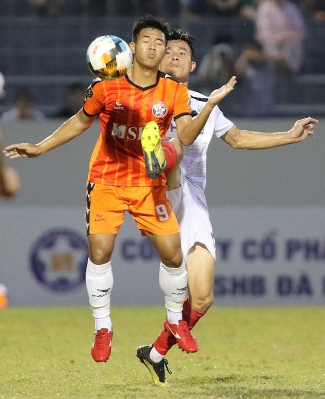 Hà Đức Chinh ghi bàn, SHB Đà Nẵng đánh bại đội đầu bảng TPHCM - 1