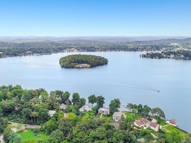 Hòn đảo bé tí chỉ có hai ngôi nhà biệt lập nhưng có giá tới vài trăm tỷ - 1