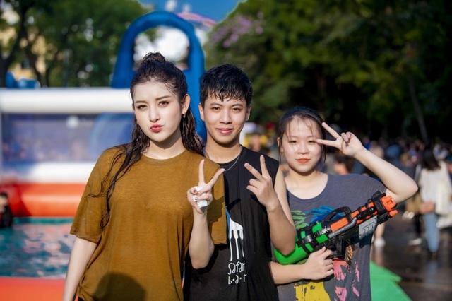 Sở thích lạ lùng của Á hậu Huyền My, Văn Mai Hương - 6
