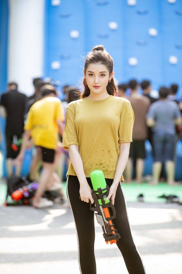 Sở thích lạ lùng của Á hậu Huyền My, Văn Mai Hương - 2