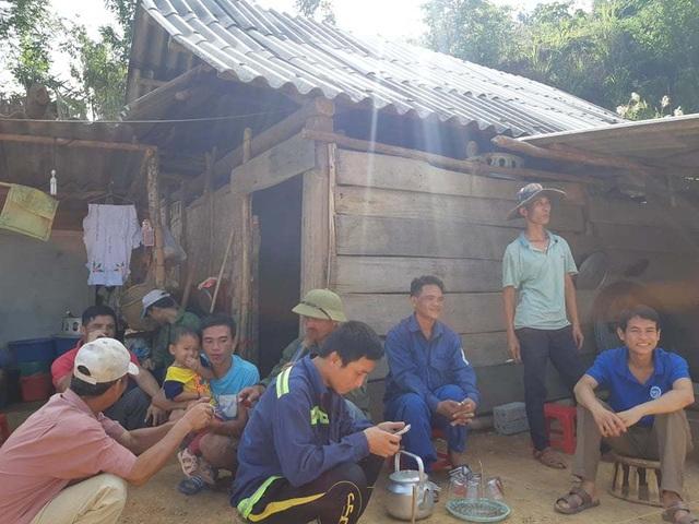 Dânsống trong lều tạm bợchờtái định cư - 8