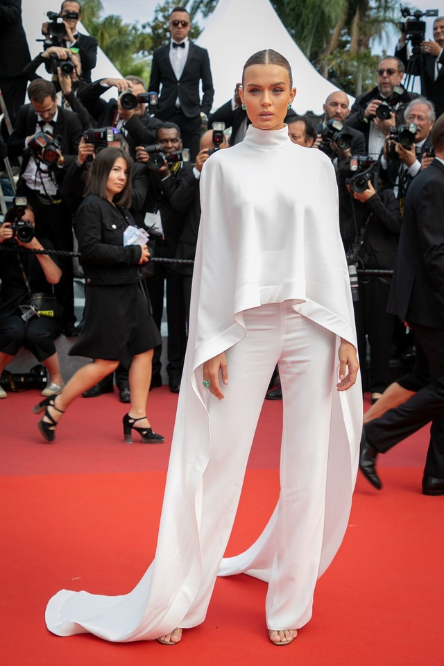 Những bộ váy đẹp nhất trên thảm đỏ Cannes 2019 - 7