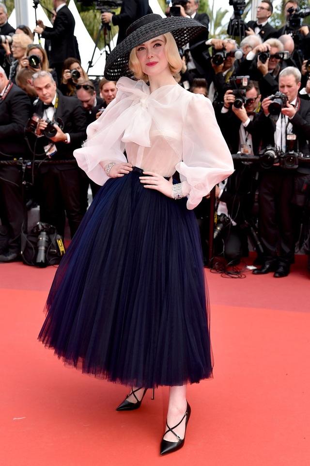 Những bộ váy đẹp nhất trên thảm đỏ Cannes 2019 - 11