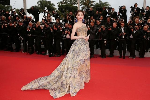 Những bộ váy đẹp nhất trên thảm đỏ Cannes 2019 - 21
