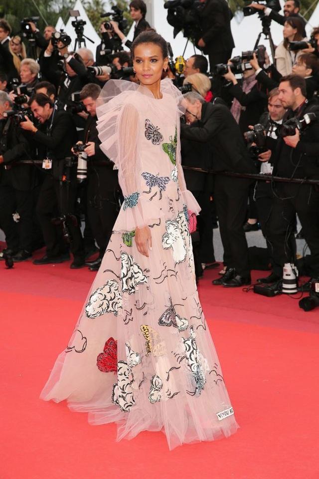 Những bộ váy đẹp nhất trên thảm đỏ Cannes 2019 - 23
