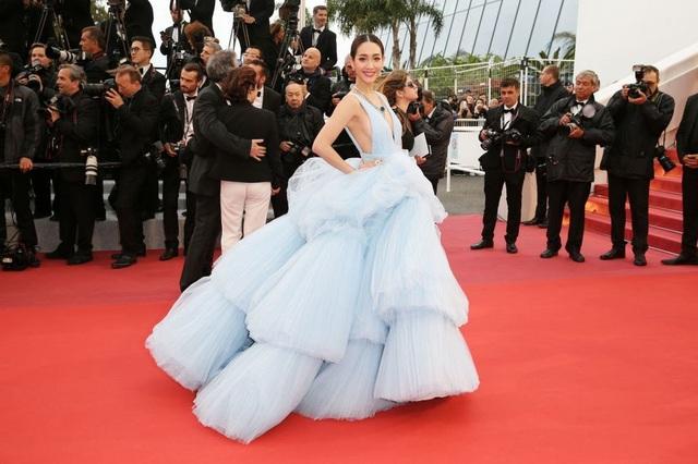 Những bộ váy đẹp nhất trên thảm đỏ Cannes 2019 - 24