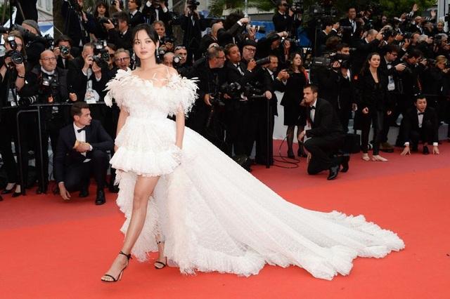Những bộ váy đẹp nhất trên thảm đỏ Cannes 2019 - 26