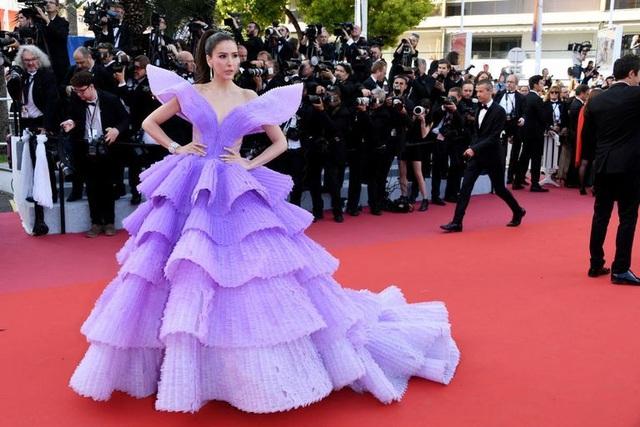 Những bộ váy đẹp nhất trên thảm đỏ Cannes 2019 - 28