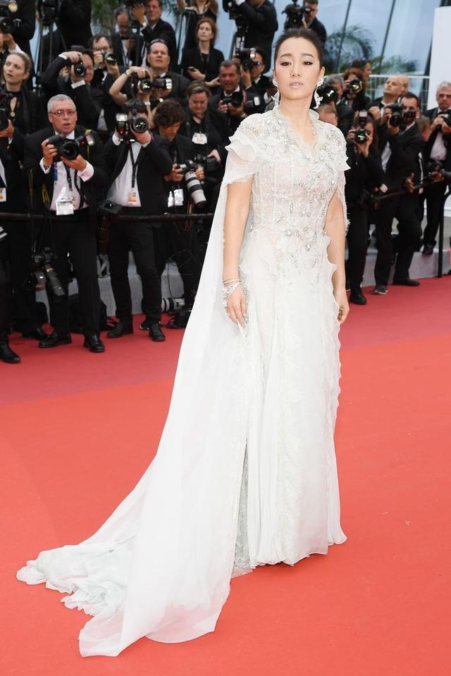 Những bộ váy đẹp nhất trên thảm đỏ Cannes 2019 - 38