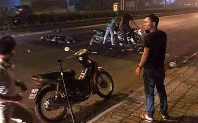 Khởi tố vụ án xe máy kẹp 3 tông xe cảnh sát khiến một Đại uý công an tử vong - 1