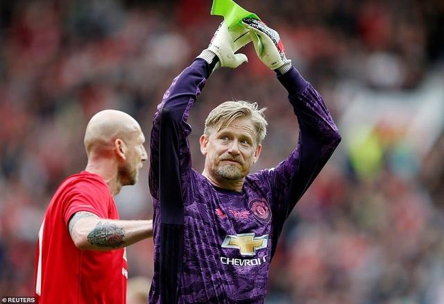 Beckham tỏa sáng, huyền thoại Man Utd thắng huyền thoại Bayern 5-0 - 17