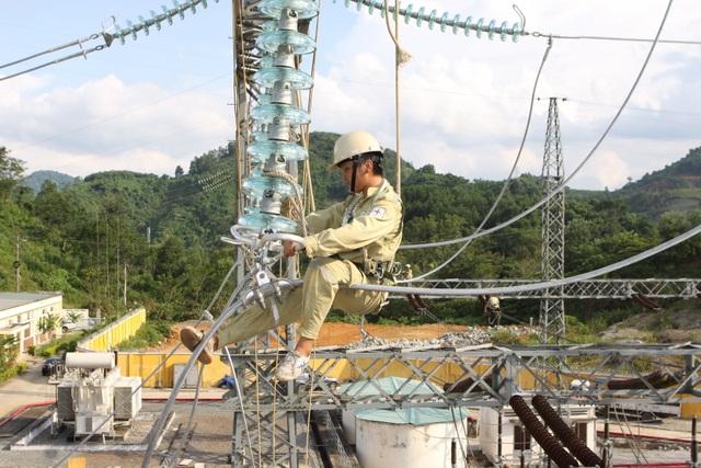 25 năm phát triển hệ thống truyền tải điện 500 KV - 3