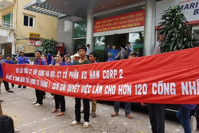 Thanh Hóa: 150 công nhân sản xuất gạch kêu cứu vì bị nợ lương, BHXH - 1