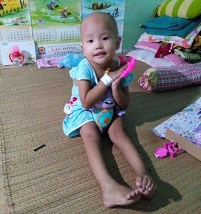 Xót xa bé gái 3 tuổi đã phải chống chọi bệnh ung thư máu - 5