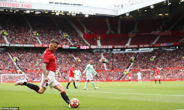 Beckham tỏa sáng, huyền thoại Man Utd thắng huyền thoại Bayern 5-0 - 13